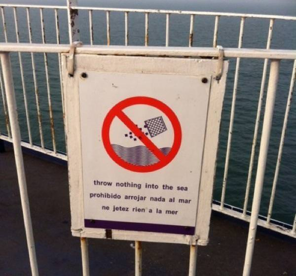 Notice on the ferry